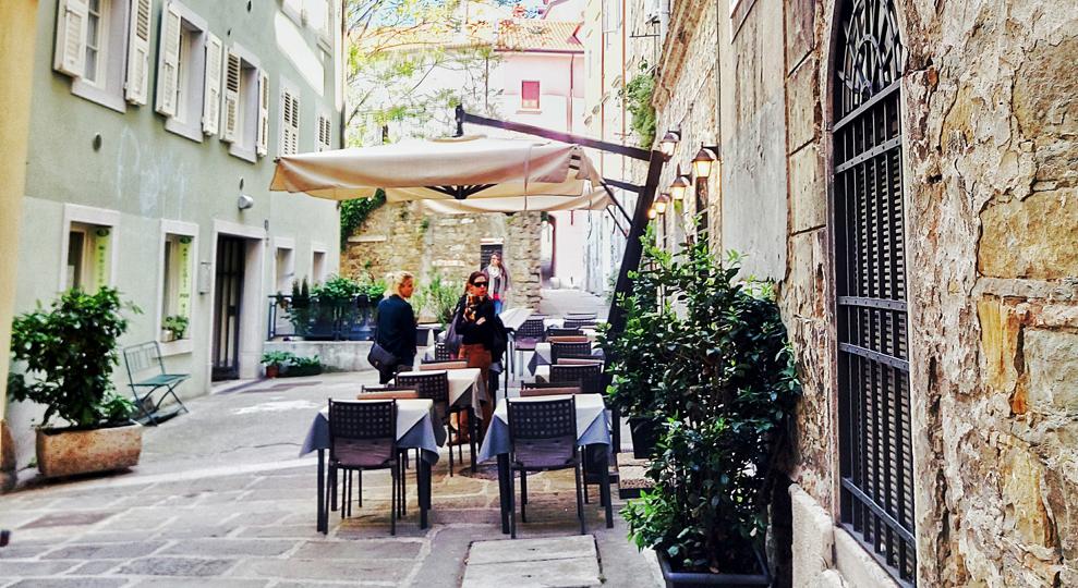Da Piazza Cavana, il tour della Città Vecchia di Trieste
